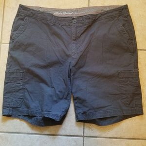 Eddie Bauer Gray Slightly Curvy Cargo Shorts 20W
